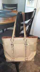 TODAY! $60 each firm PURSES!! And 1 WALLET!!