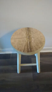 French letters side table or bench in cream and beige West Island Greater Montréal image 1