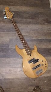 Yamaha BB615 5 string bass guitar with active pickups