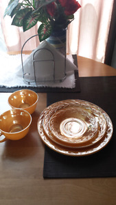 Antique dishes set of 6