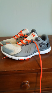 Men's Under Armour Sneakers - size 9.5