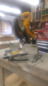 "12"" Dual Bevel Dewalt Mitre Saw"