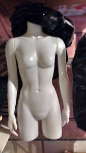 full body woman manniquinsfor display Kitchener / Waterloo Kitchener Area image 2