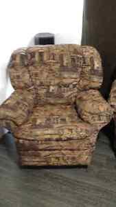 Sofa 2 place plus chaise inclinable a vendre Gatineau Ottawa / Gatineau Area image 4
