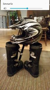 Casque motocross + une paire de bottes
