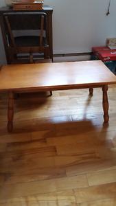 Tables de salon don 2 avec vitre et et une table de coin