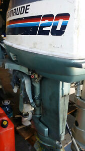 80's 20hp Evinrude 2 str short shaft outboard motor sell as is