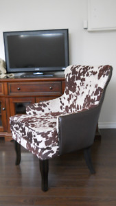 GORGEOUS FAUX LEATHER & COW HIDE FABRIC ARM CHAIR