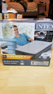 Twin mattress with built in pump (new)