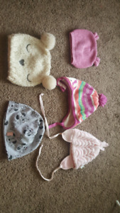 Baby hats 0-12 months 3$ each or all for 10$