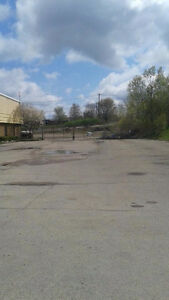 KITCHENER BUILDING AND LARGE YARD FOR LEASE Kitchener / Waterloo Kitchener Area image 7