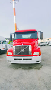 2000 volvo day cab d12 engine 13 speed manual good runing truck