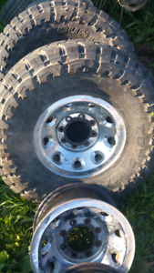 Ford F 250 or 350 rims 6 in total