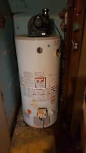 Gas Water Heater - 40 Gallon - Great Condition!