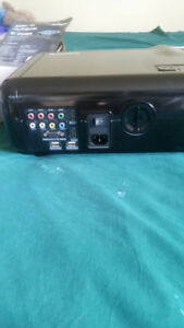 PROJECTOR (SMART) & SMART SCREEN   FOR SALE