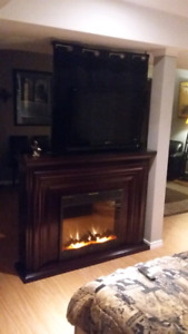 ELECTRIC FIREPLACE & REMOTE