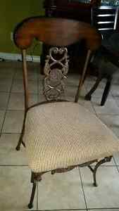 Antique set of 4 chairs London Ontario image 2