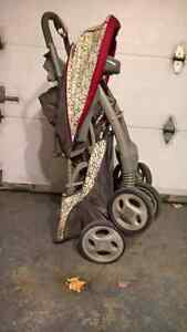 Pousette et coquille Safety 1st Stroller and capsule West Island Greater Montréal image 6