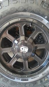 4 NEW FRD TR2 RIMS WITH NEW COMFORSER M/T TIRES LT285/70/17