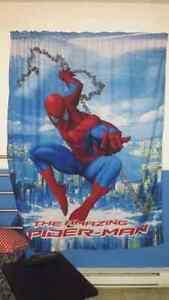 Housse de couette  (simple) avec rideau de spider - man