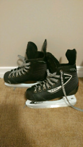 Boys size 2 CCM hockey skates