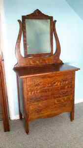 BEAUTIFUL ANTIQUE ROLLED OAK DRESSER WITH MIRROR