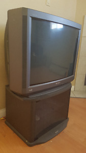 Sony trinitron TV with Rack (excellent condition)