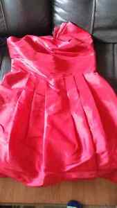 COMFORTABLE SIZE 10-12 L RED DRESS