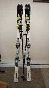 Ladies Skis with binding, poles and bag size 156
