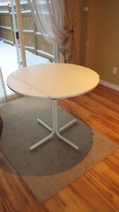 FOLDING DINETTE TABLE FOR SALE!
