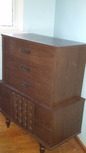 Antique style dresser and mirror & matching tall dresser Sarnia Sarnia Area image 2