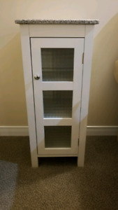 Small bathroom cabinet with granite top (cayuga).