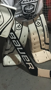 """Youth 23"""" goalie pads"""