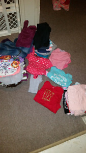 Mix of size 2t and some 3t girls clothing