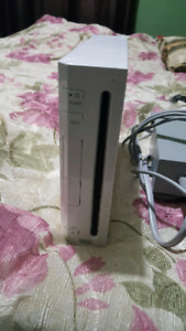 NINTENDO WII CONSOLE FOR SALE! CFW! MINT CONDITION! WORKS GREAT!