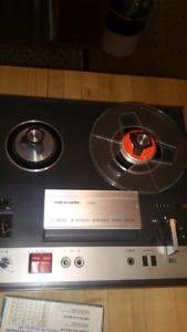Realistic Model 999B Reel to Reel Tape Recorder