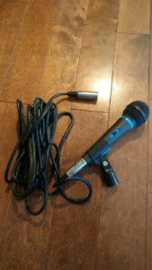 Mic w/ cord and stand clip