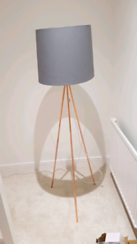 Beautiful Tripod Lamp grey and copper