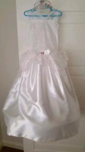 white dress  Casula Liverpool Area Preview