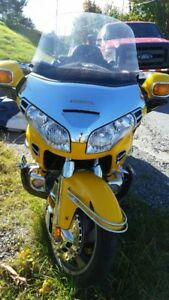 2001 gl1800 goldwing for sale in great shape