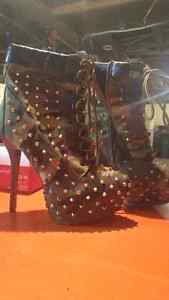 Multiple items from shoes to pet accessories Cornwall Ontario image 4