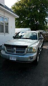 2011 Dodge Dakota SXT Pickup Truck 4X4 4 Door