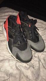 Pair of size UK 6 woman's Nike Huaraches