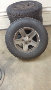 17 inch Dodge Rims with 265-70-17 LIKE NEW TIRES