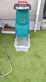 Electric garden shreader
