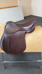 **NEW** Exselle Axcess AP Saddle - CLEAR OUT $ 450.00