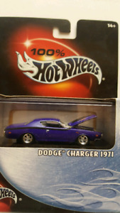 Hot Wheels 100%. 71 Dodge Charger RT