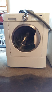 Fridgidaire washer and dryer