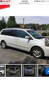 Clean Toyota Sienna XLE 2004 For Sale.