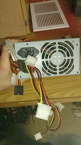Plusieurs Anciens Power Supply (20 Pins) de 250W à 550W